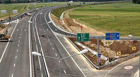 Autoritățile locale devene solicită imperativ legătură cu autostrada și pasaje peste calea ferată