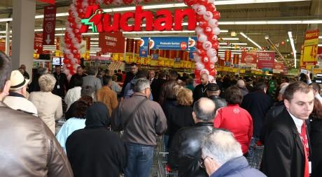 Hipermarketul Auchan s-a deschis oficial și la Deva!