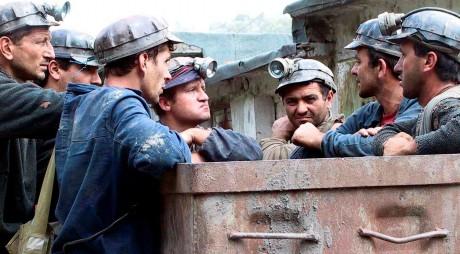 Minerii îşi sărbătoresc ziua fără prime