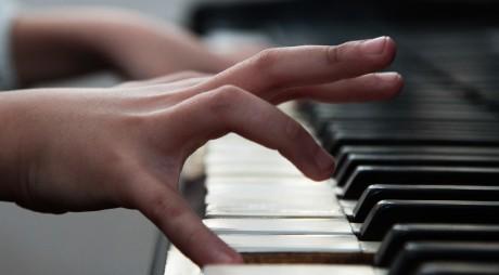 Recital de pian al elevilor din Deva, înainte de Olimpiada Instrumentală