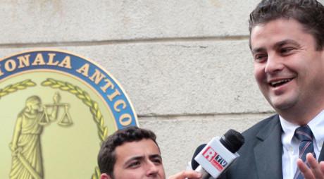 """""""Baronul puilor"""" Florin Popescu scapă de arestarea preventivă. """"Nu am mâncat nici măcar o aripă"""""""
