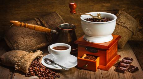 Cafeaua, aroma care face diminețile mai plăcute
