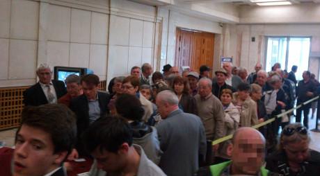 Carmen Hărău își duce simpatizanții la Parlament
