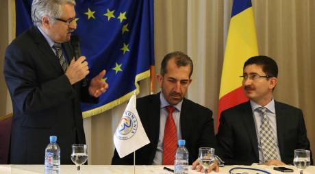 Moloț face glume cu homosexuali pe seama Istoriei Românilor