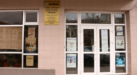 Reprezentanţi ai sârbilor, în vizită la agenţiile forţelor de muncă din judeţ