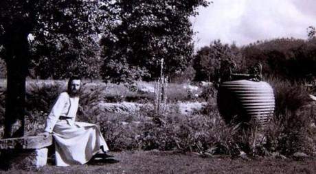 Arsenie Boca | Mormântul Părintelui, loc de pelerinaj făcător de minuni