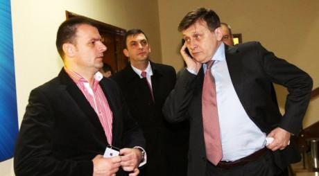 SURSE – Se cere Congres la PNL: Antonescu are opoziție puternică