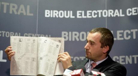 ALEGERI EUROPARLAMENTARE 2014. Buletinul de vot va avea 8 pagini A4!