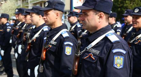 Ziua Jandarmeriei Române sărbătorită la Deva. Instituția se află în topul încrederii populației