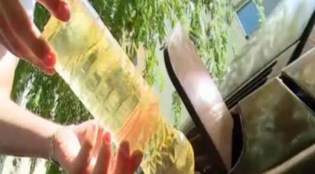 Metoda inedită aplicată de şoferii români pentru a reduce costurile unui plin de motorină