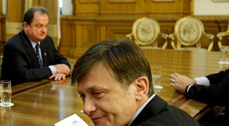 Antonescu şi Blaga resuscitează Alianţa DA. PLANUL PNL-PDL pentru prezidenţiale