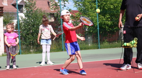 Tenisul are viitor! Peste 50 de copii, pe urmele marilor tenismeni (Galerie FOTO)