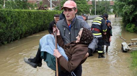 Campanii pentru sinistrații din Serbia și Bosnia-Herțegovina