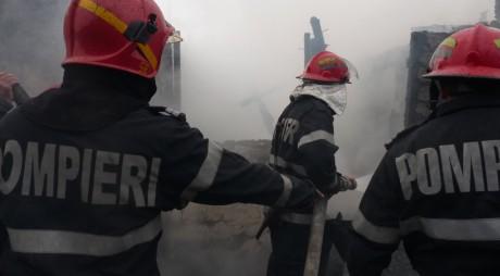 Explozie și incendiu puternic la Hunedoara