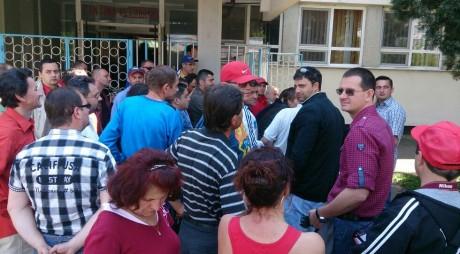 Energeticienii de la Mintia au protestat timp de 5 ore