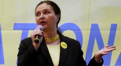 Firma familiei deputatei HĂRĂU încasează  3 MILIOANE DE EURO pentru curățenia municipiului Hunedoara