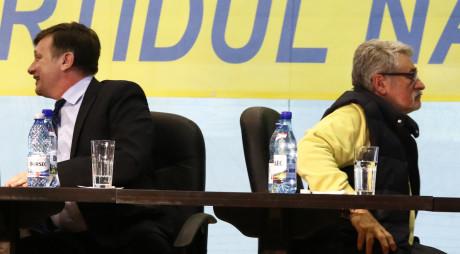 Ipoteză: Șefii liberali de CJ vânduți lui PONTA?