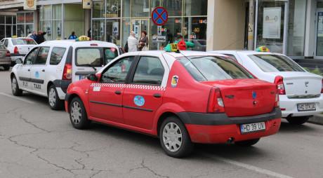 Care vor fi locurile de aşteptare a taximetrelor pe raza Devei