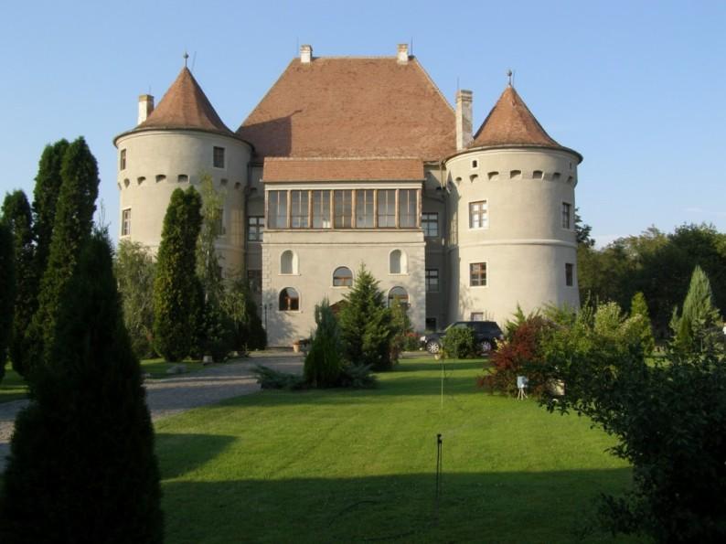 Castelul-Bethlen-Haller-Cetatea-de-Balta