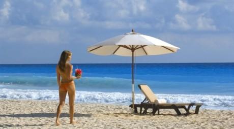 """Programul """"Litoralul pentru toţi"""", prelungit. Turiştii pot merge la mare cu 50% reducere la cazare până pe 22 iunie"""