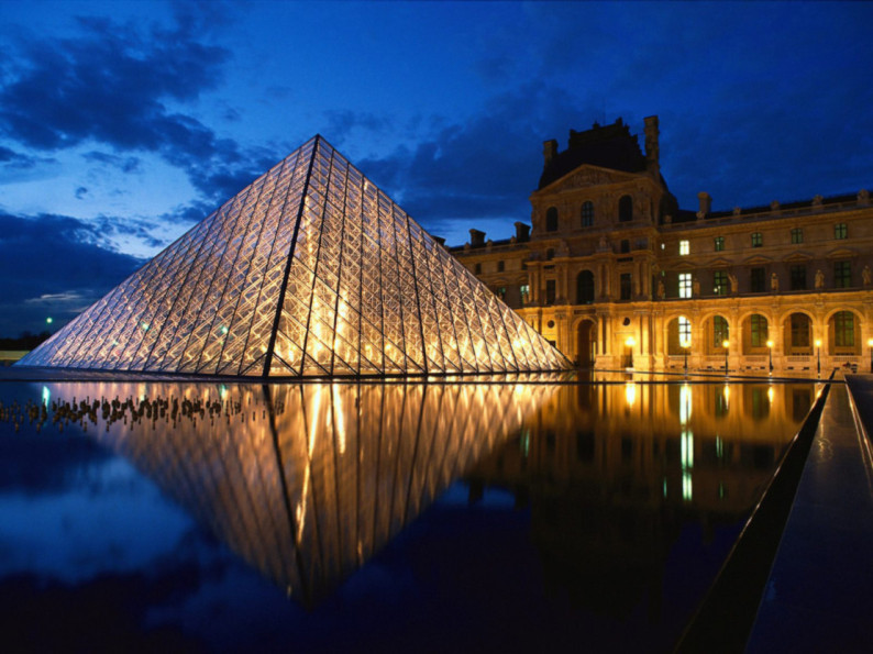 Louvre_Museum_Paris_France