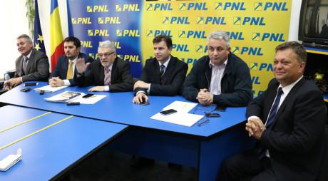 Biroul Politic al PNL Hunedoara, AMÂNAT!
