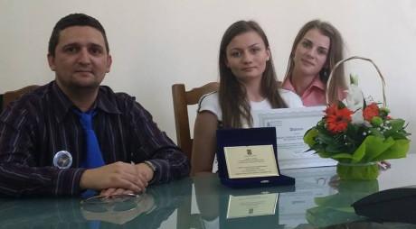 """Colegiul Național """"Avram Iancu"""" din Brad, PREMIAT de Ministrul Educației"""