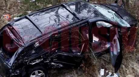 ACCIDENT GRAV. Mașină răsturnată în prăpastie