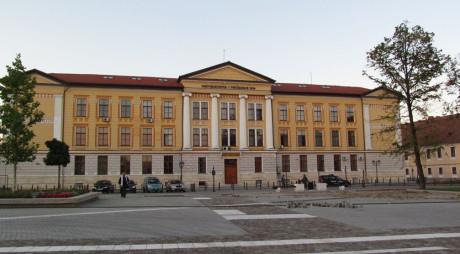Locuri disponibile la Universitatea din Alba Iulia