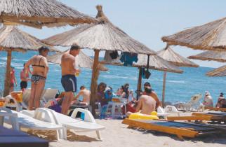"""Cele mai amuzante plângeri ale turiștilor: """"Era prea mult nisip pe plajă"""""""