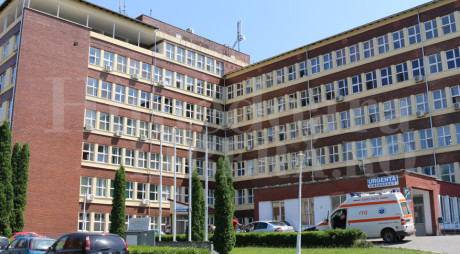 Cinci lifturi noi la Spitalul de la Hunedoara