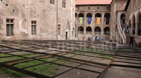 OPERA NIGHTS | Cum va arăta curtea interioară a Castelului Corvinilor
