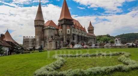 Hunedoara: Imagini live cu Castelul Corvinilor pentru promovarea monumentului