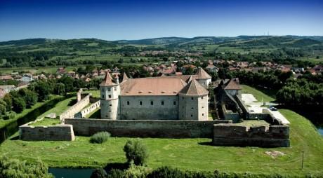 CETATEA FĂGĂRAȘ |  TOP 3 al celor mai frumoase castele din lume