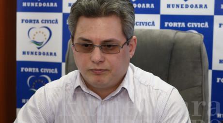 Înaintea fuziunii cu PDL, Forța Civică Hunedoara pierde o organizație locală