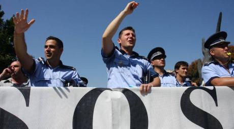 Poliţiştii au suspendat protestele. Două dintre solicitări le vor fi rezolvate
