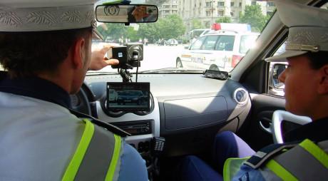 TUPEU de bucureştean pe DN 7! A pus pe jar Poliţia rutieră