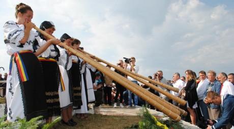 19 – 20 iulie| TÂRGUL DE FETE de pe Muntele Găina – 2014. PROGRAMUL COMPLET
