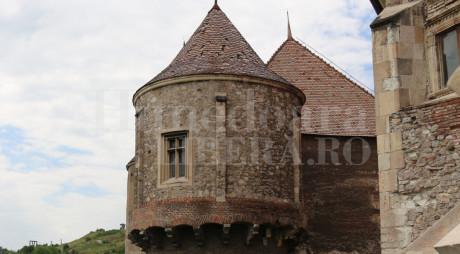 ÎN SFÂRȘIT! Lucrări de restaurare la Castelul Corvinilor