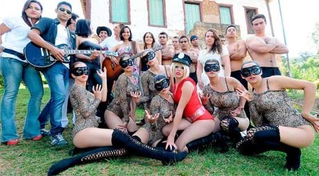 Oraşul populat numai de femei: Burlacii sunt invitaţi de locuitoare în acel loc pentru a-şi găsi o soţie – FOTO