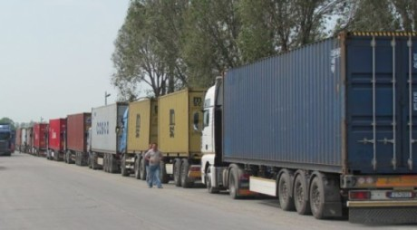 Interzis astăzi la camioane de peste 7,5 tone pe drumurile din Ungaria