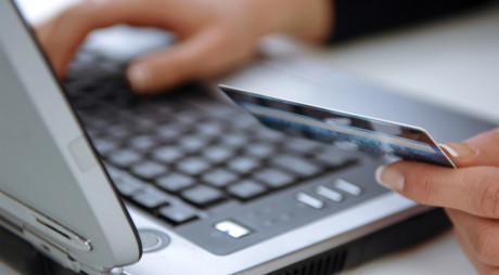 Românii, reticenți la plățile online | Penultimul loc în regiune la utilizarea de online banking