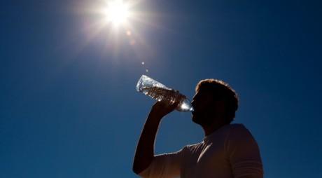 CANICULA schimbă planurile: Nu se mai sistează apa!