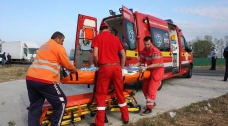 ACCIDENT | A ADORMIT la volan și a intrat cu mașina în TIR