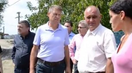 """""""Precizie nemţească"""". Iohannis a ajuns la inundații după 10 zile (VIDEO)"""