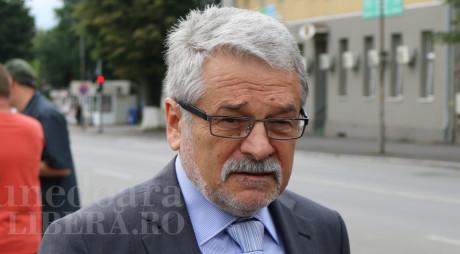 Prefectura l-a SUSPENDAT pe Mircea Moloţ