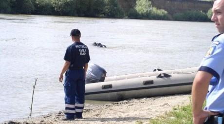 Cadavrul unui bărbat, găsit în râul Mureş