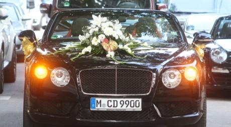 Nuntă ţigănească păzită mai ceva ca o vizită a lui Băsescu
