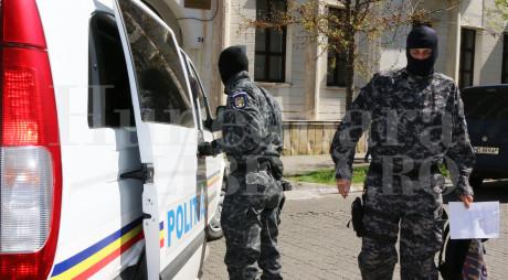 Peste 20 de traficanți de etnobotanice din Hunedoara și alte județe, condamnați la închisoare