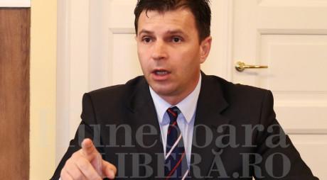 Tiberiu BALINT nu are voie să părăsească ţara